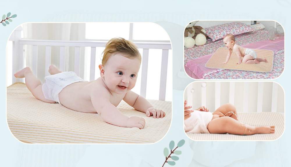 Heart Print Water-resistant Reusable Baby Changing Pad Middle Size