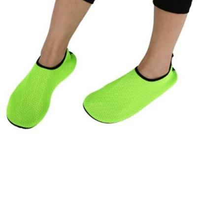 PAIRED WOMEN MEN BREATHABLE FLAT MESH SANDALS UNISEX SWIMMING SNORKELING SHOES (GREEN)